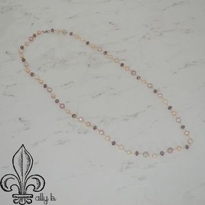 Jewelry - 💕Freshwater pearl and crystal necklace💕